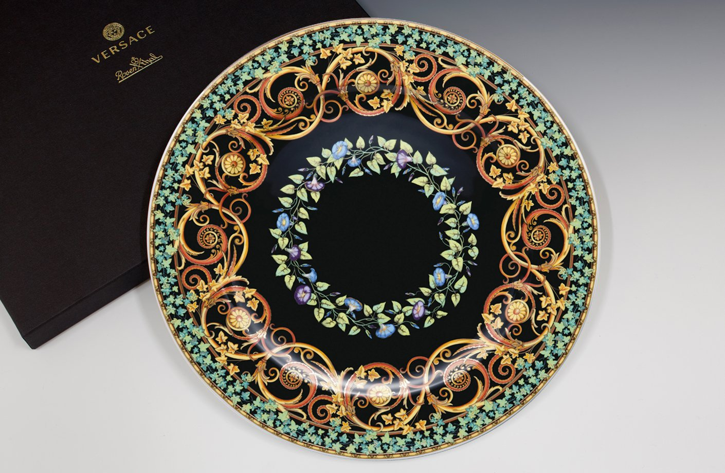 Gold Ivy 20th Anniversary Wall Plate 30 Cm Versace Home